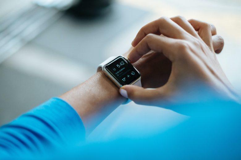 Cómo reiniciar o borrar un Apple Watch que sigue congelando