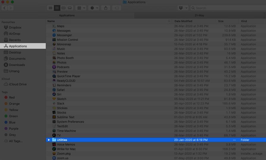 Haga clic en Aplicaciones y luego haga clic en Utilidades en Mac Finder