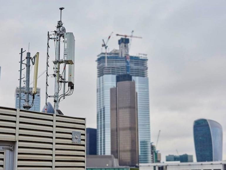 Di atap, di dalam uji coba seluler 5G London