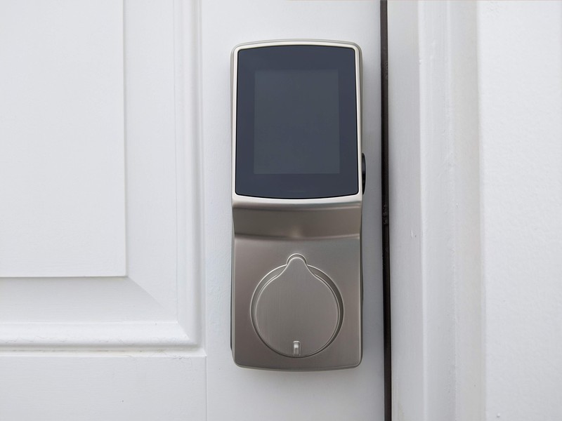 Ulasan Lockly Secure Pro Deadbolt: Fitur keamanan inovatif untuk menjaga keamanan rumah Anda 1