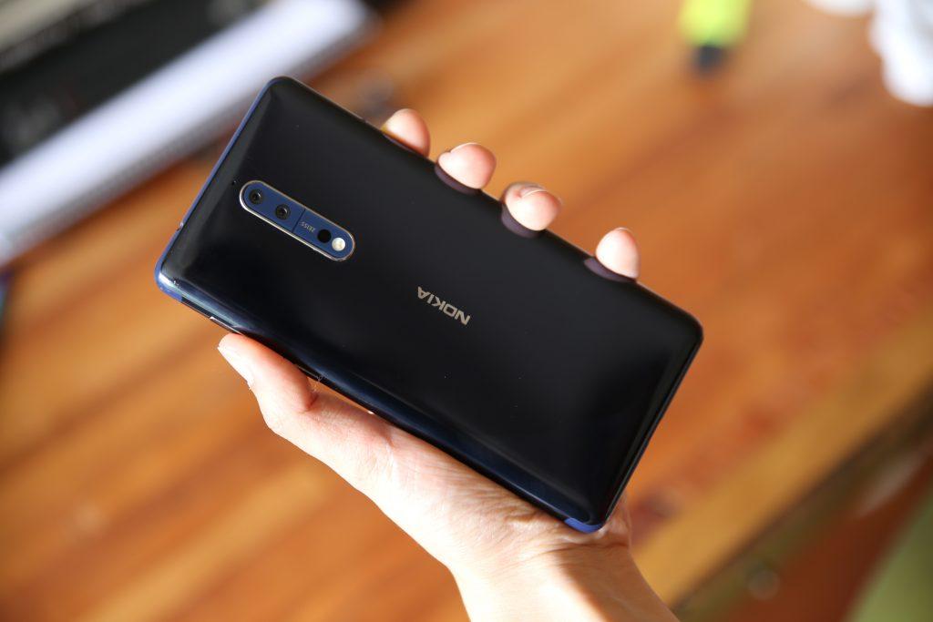Tinjau Nokia 8 1