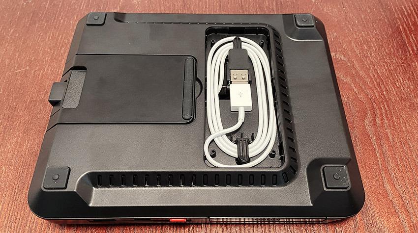 El Air Omni Lite permite al usuario utilizar su Apple Watch disco de carga con menos desorden de cables