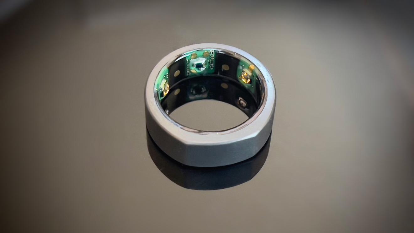 El anillo Oura tiene tres categorías de sensores