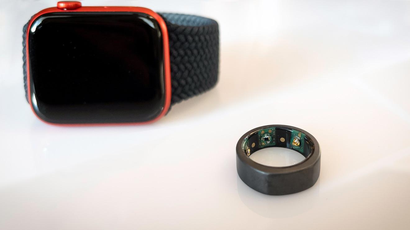 Anillo Oura y Apple Watch son más complementos que la competencia