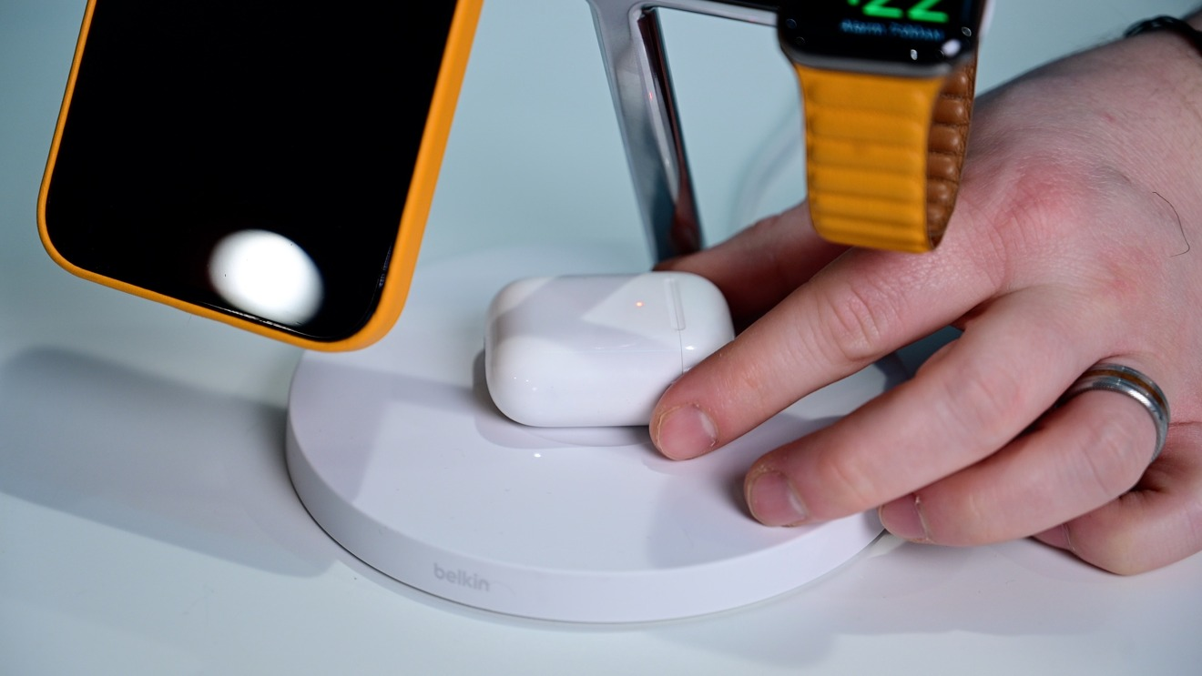 Cargue AirPods u otros dispositivos de forma inalámbrica con hasta 5 W