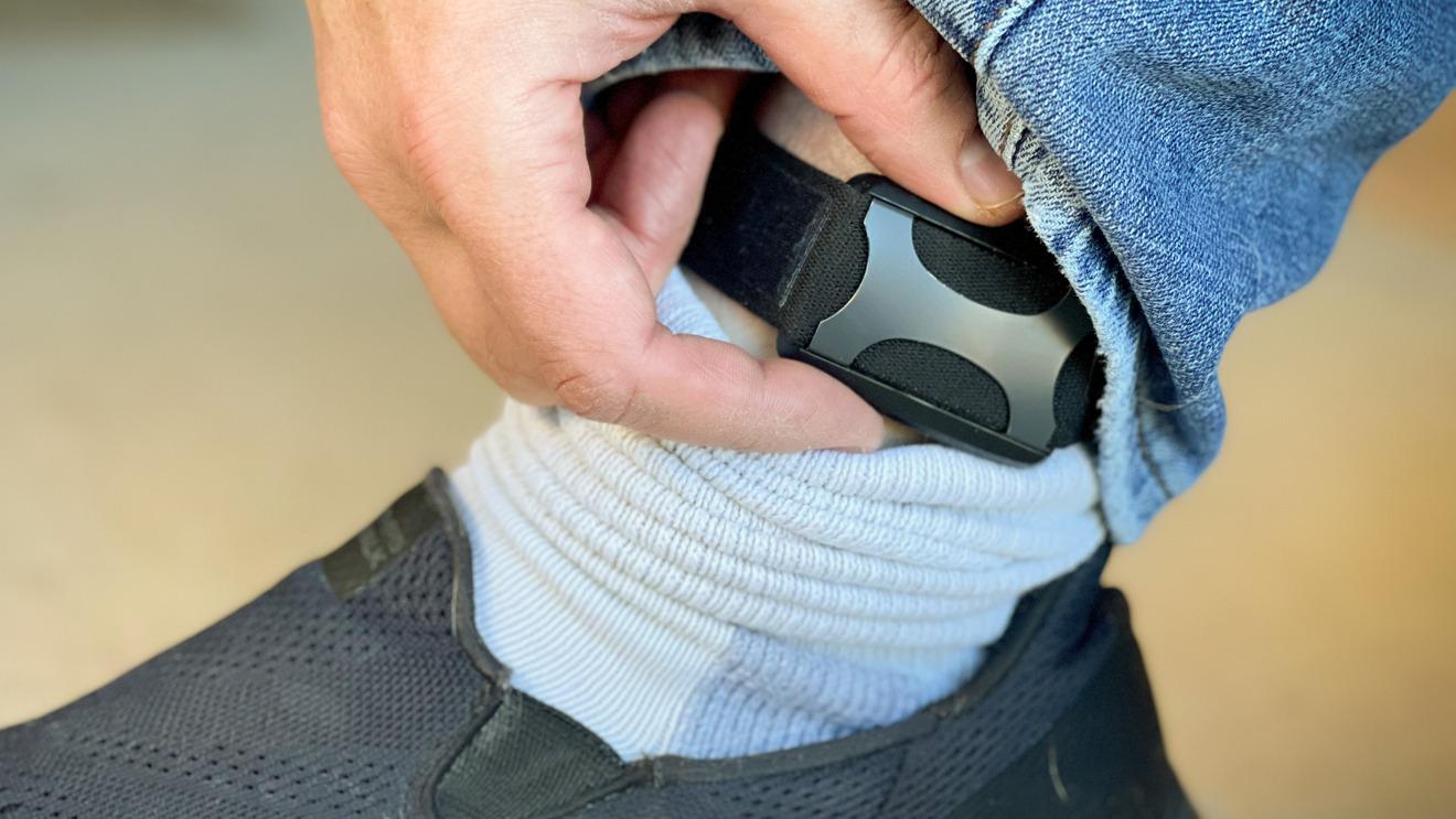 Si lo usas en el tobillo, puedes hacer cosplay como persona en libertad condicional.