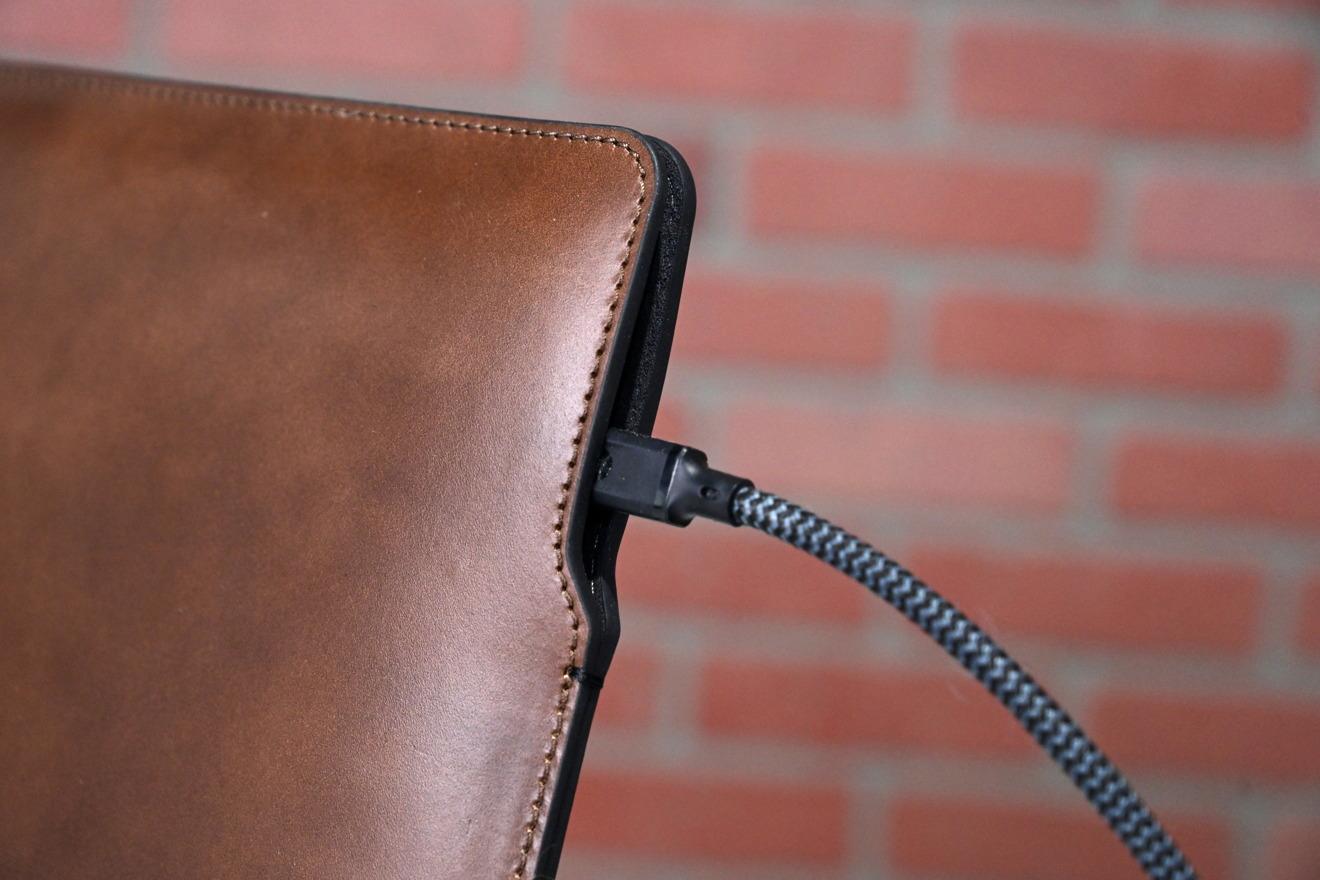 Funda de cuero Horween de Nomad para MacBook Pro