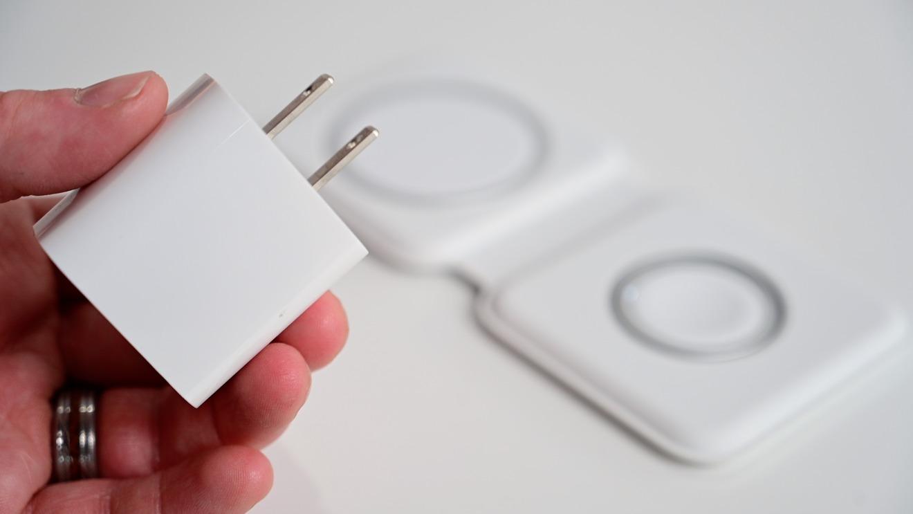 MagSafe Duo requiere un bloque de alimentación USB-C de 27 W para una velocidad máxima