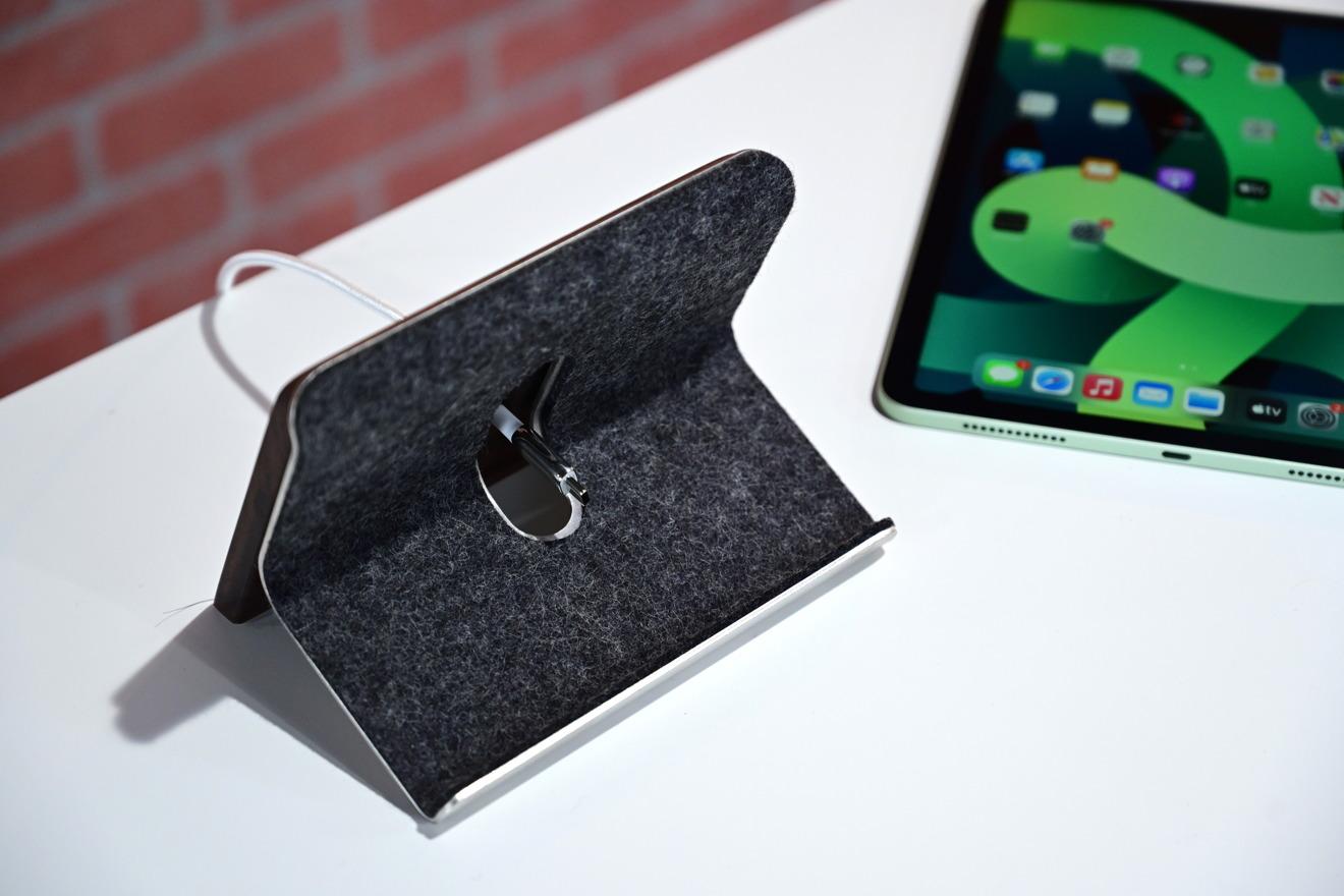 Soporte para iPad Grovemade con cable