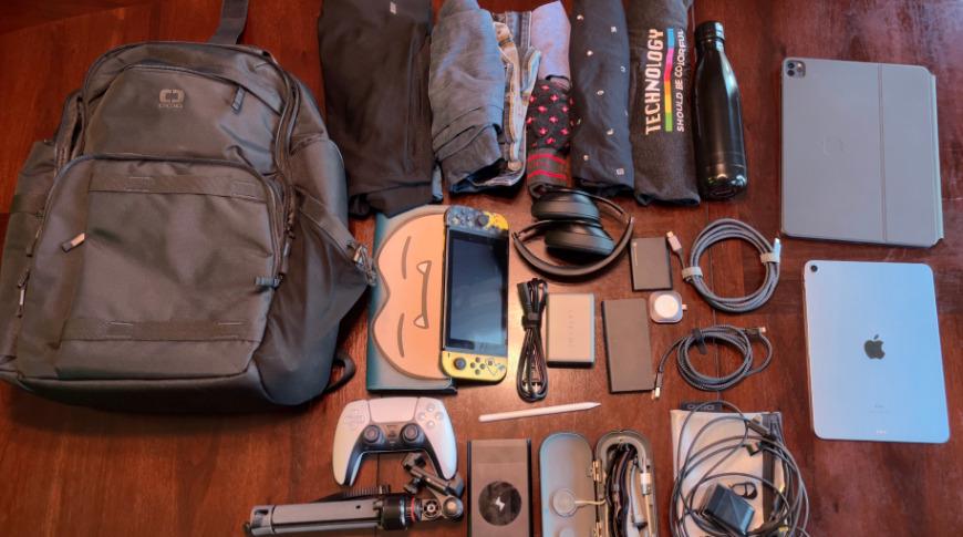 Puede guardar casi todo lo que necesita para un viaje de dos días en esta bolsa.