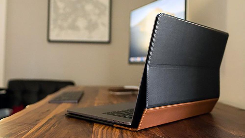 Funda de piel para MacBook Pad & Quill Aria