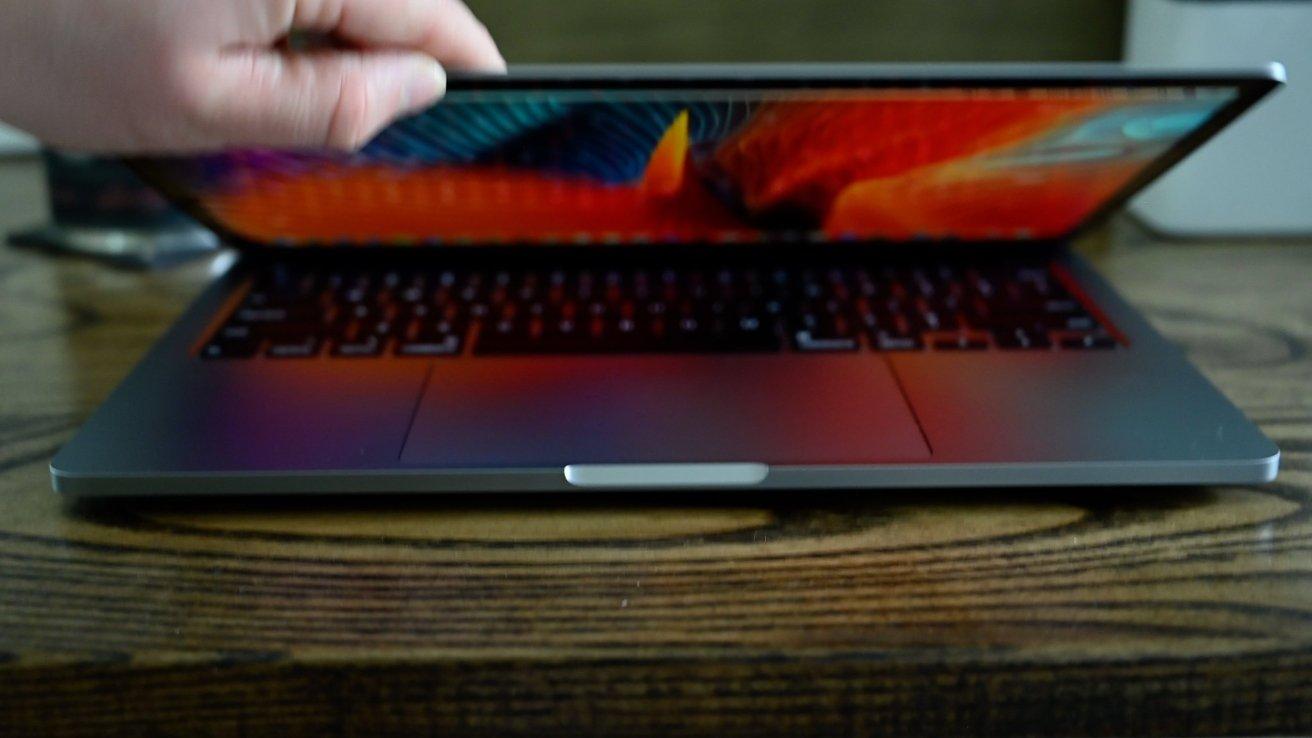 El MacBook Pro es más grueso que el MacBook Air, pero tiene sus propias pequeñas ventajas.
