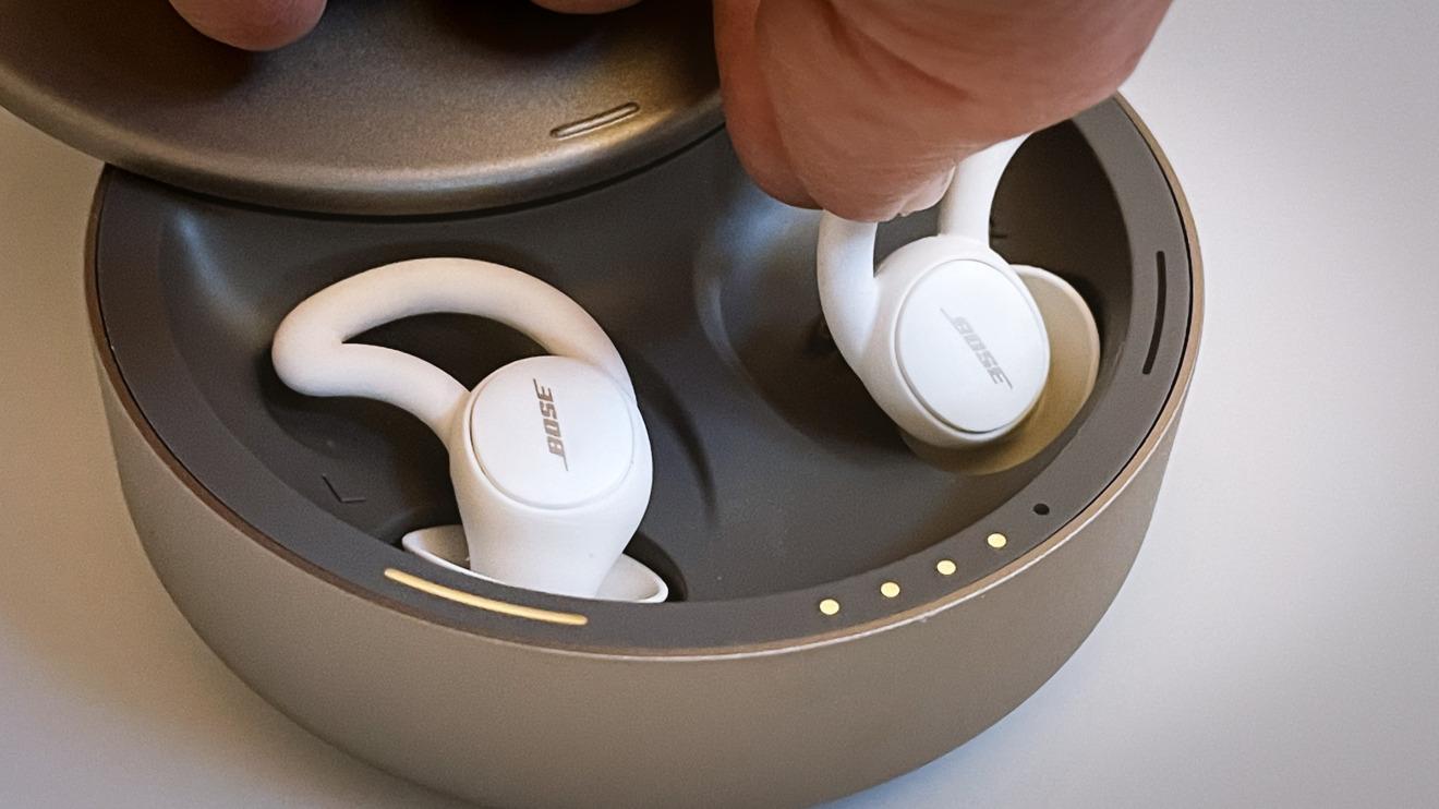 Bose Sleepbuds II utiliza imanes para almacenar los auriculares en el estuche de carga