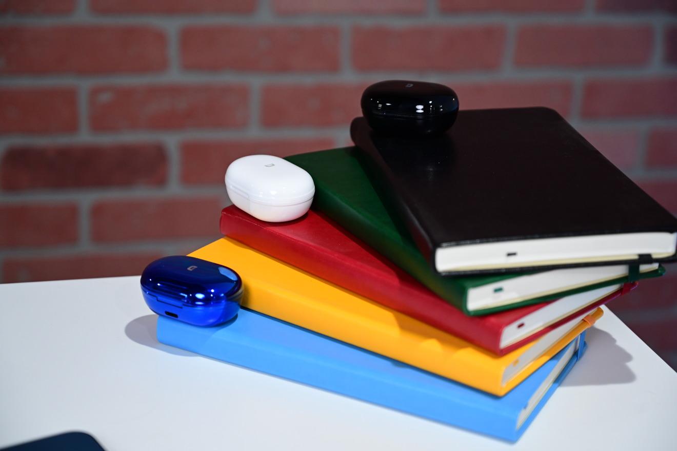 Los auriculares ZenPods ANC vienen en varios colores