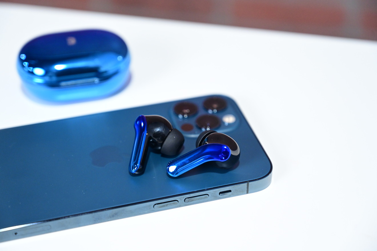 Auriculares ZenPods ANC en iPhone 12 Pro