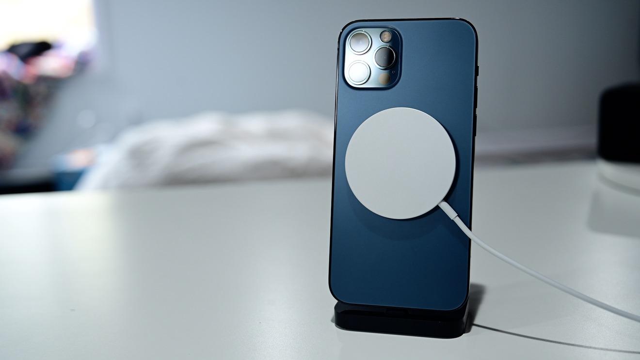Cargador MagSafe en iPhone 12 Pro