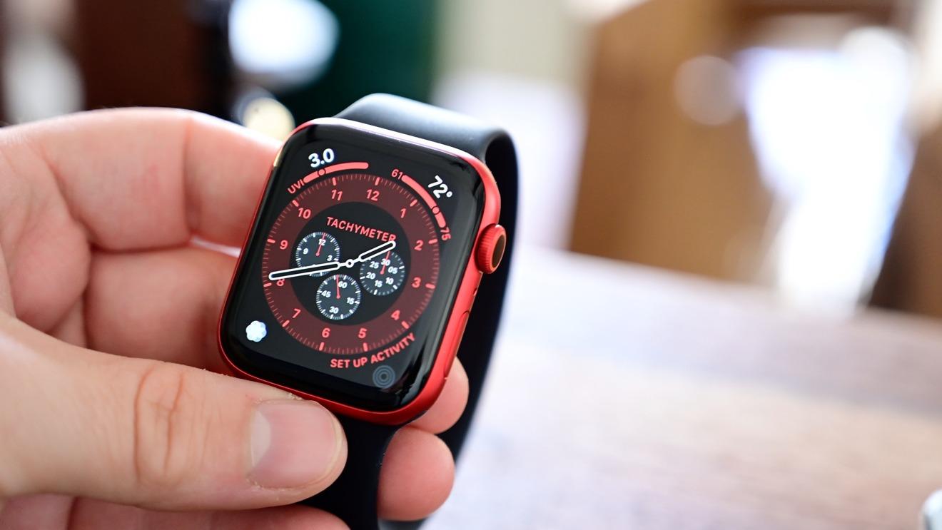 Apple Watch  Serie 6 en rojo con Solo Loop negro