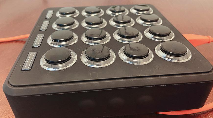 Interruptores Sanwa de Midi Fighter 3D