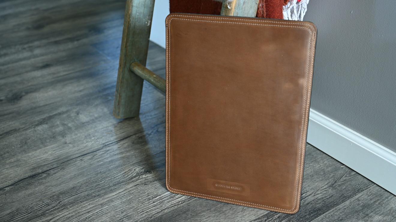 Funda de cuero Clayton y Crume para MacBook Pro