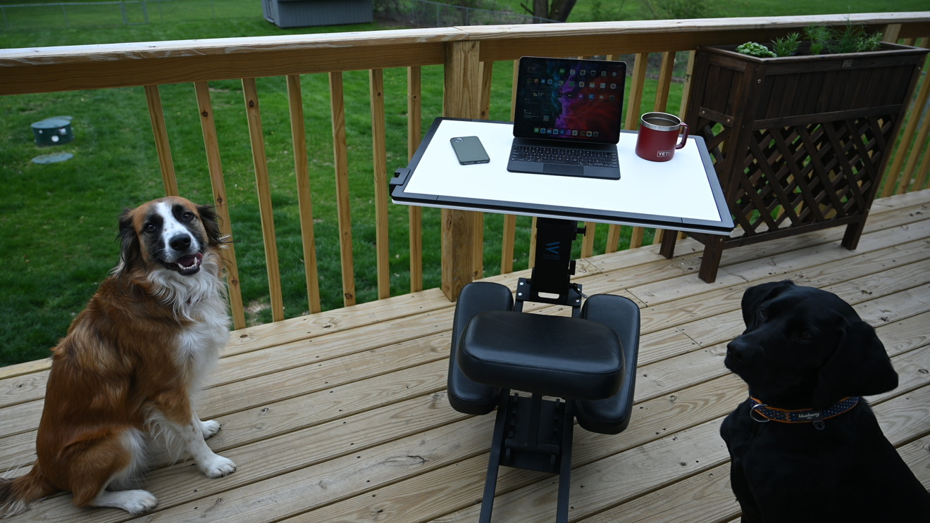 Trabajar al aire libre en iPad Pro con Edge Desk