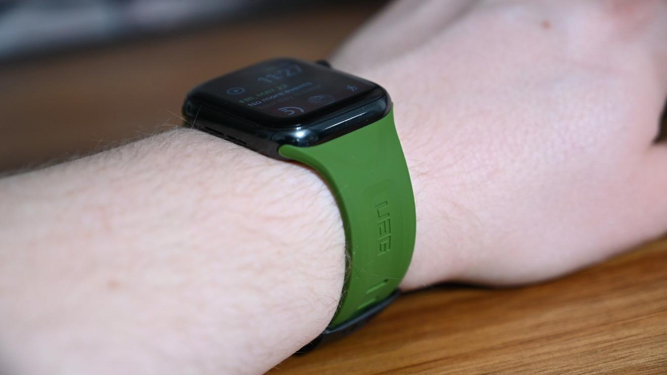 El scout verde oliva UAG Apple Watch Correa
