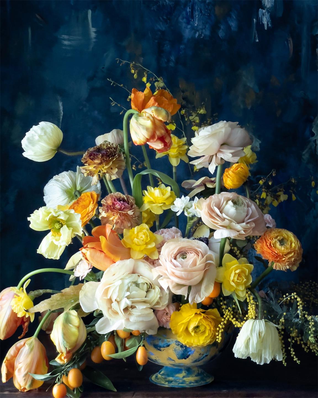 Disparo en iPhone 12 Pro de Nathan Underwood.  Arreglo floral de Kiana Underwood.