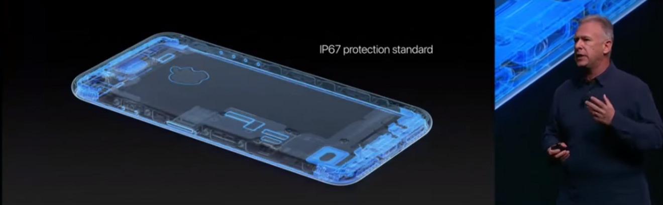 Phil Schiller presenta el iPhone resistente al agua 7 en 2016