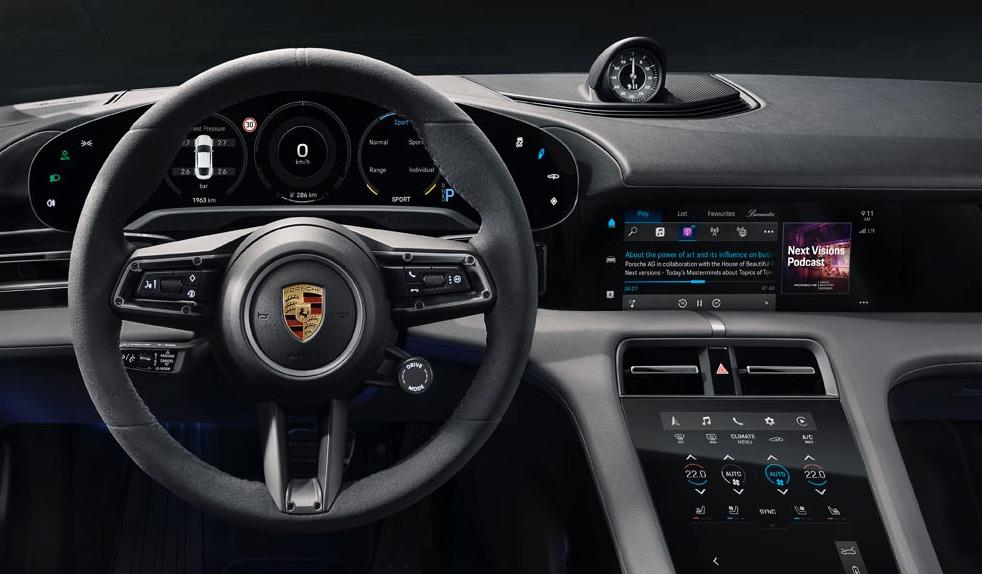 El Porsche Taycan mostrará podcasts y Apple Letras de música