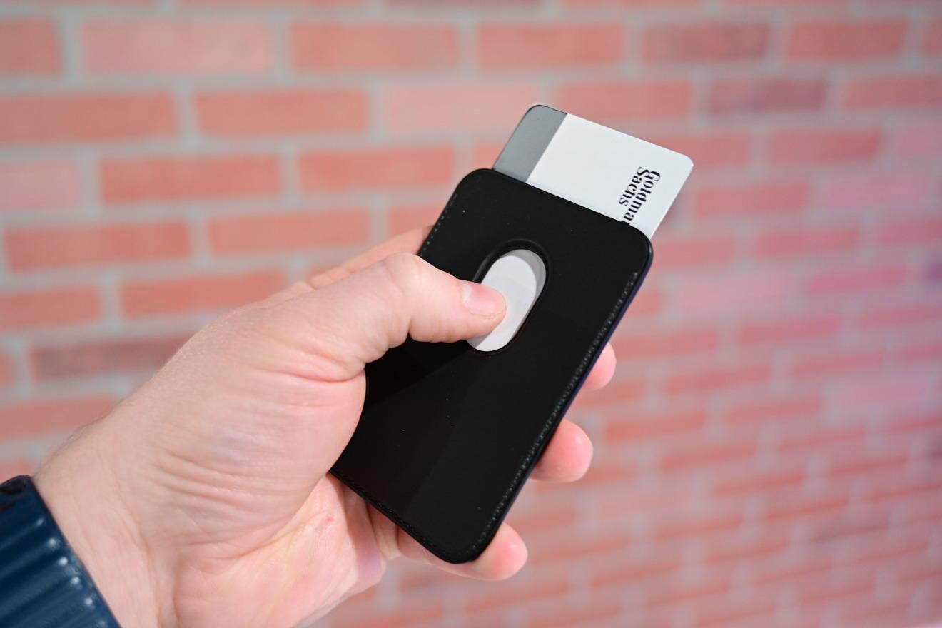 Quitar tarjetas de Applecartera MagSafe