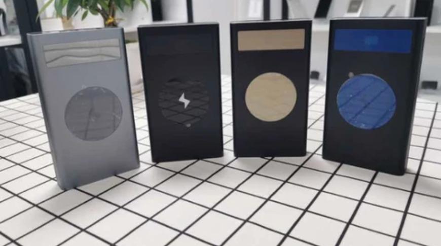 Disponible en colores negro, gris, amarillo y azul