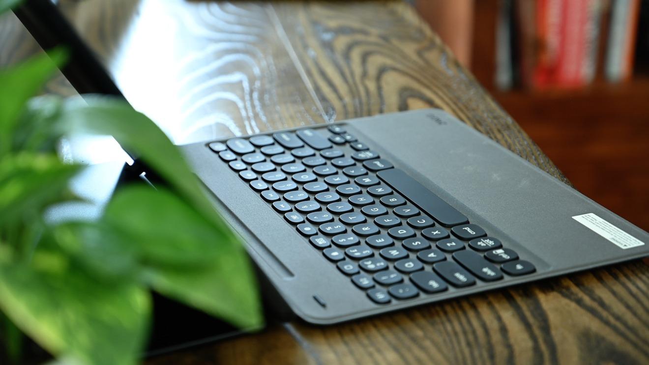 Slim Book Go y Rugged Book Go tienen teclados sólidos