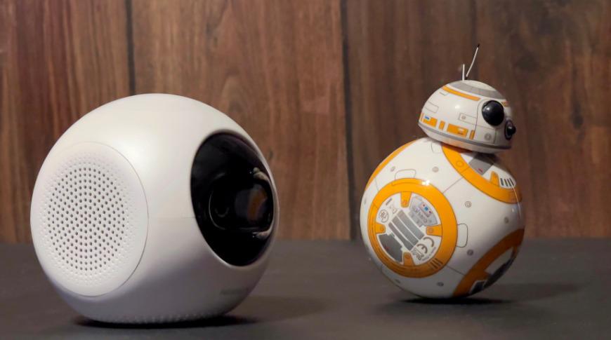 El diseño de Astro obviamente se basa en la ciencia ficción como Star Wars