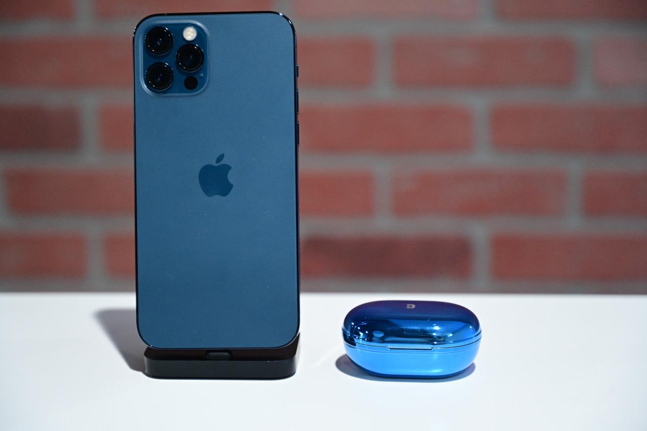 Auriculares ZenPods ANC y iPhone 12 Pro