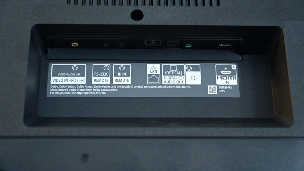 Puertos traseros Sony X800H